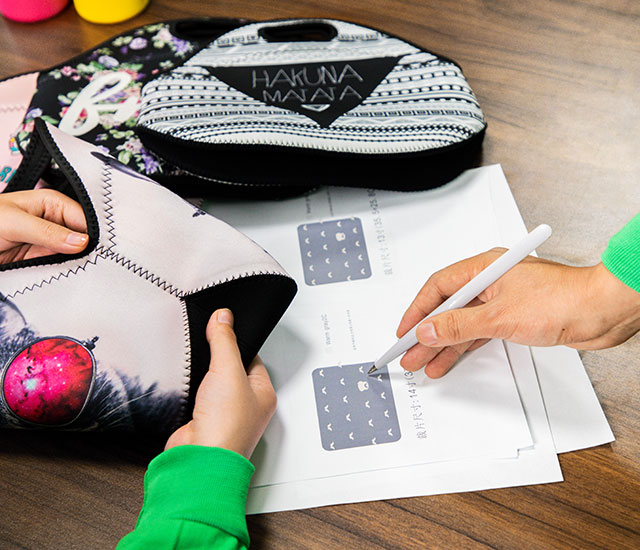 Tailor-design of Neoprene Lunch Bags